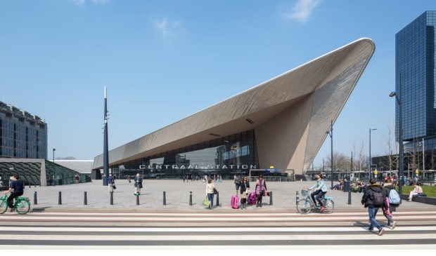 'Rotterdam's slick new train station.' Foto: Rotterdam. Make It. Happen.