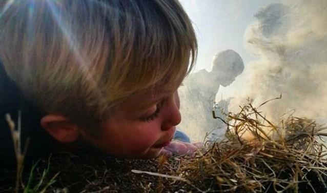 Zelf vuur maken (zonder aansteker), welk kind wil dat nou niet? Bij het Buitencentrum Sallandse Heuvelrug is het mogelijk.