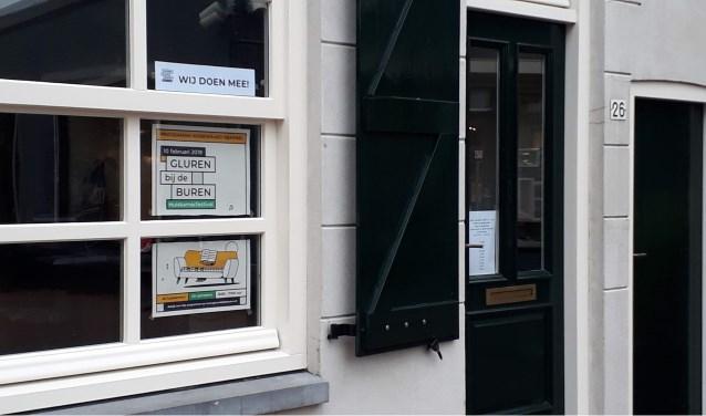 Museum Winkel Mak met poster Gluren bij de Buren