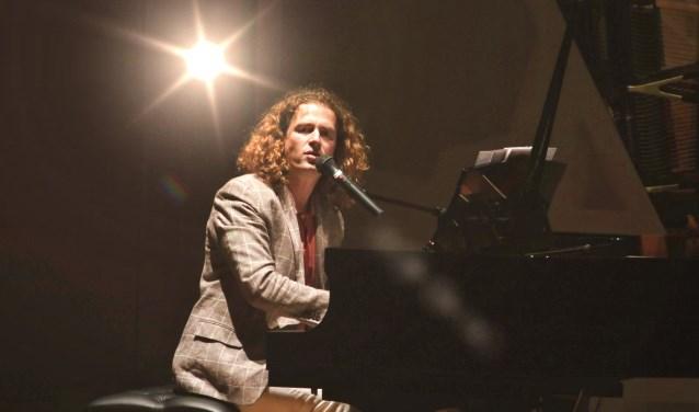 Zanger en pianist Roon Staal komt op 24 februari naar de protestantse kerk in Cuijk.