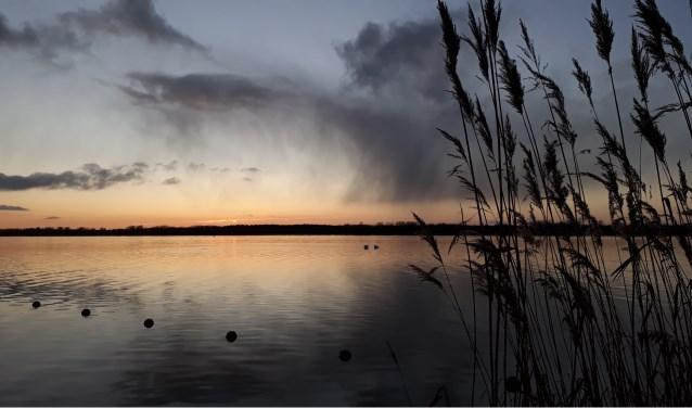 Zon en regen boven zeewolde