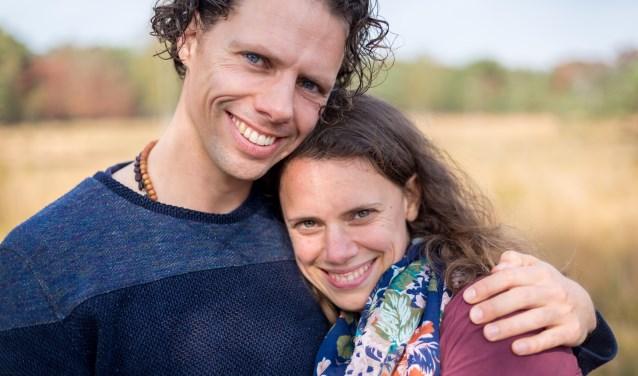Anke van Leeuwen en haar vriend Robert Derksen staan positief in het leven. (foto: Evelien Buynsters)
