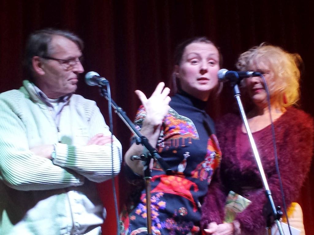 Jury gedichtenwedstrijd Poëzieweek Heumen: Frans Wildenborg, Marjolien-Pieks en Riny Jans. Foto: MariannA Bakker © Persgroep