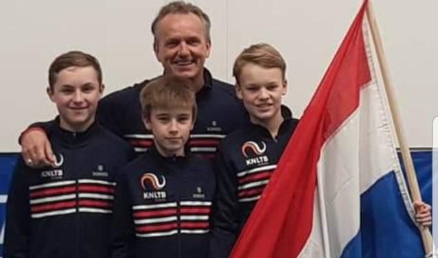 Nederlands Team rechts naar links, Kyvan, Manvydas en Abel met bondcoach KNLTB Alex Reijnders