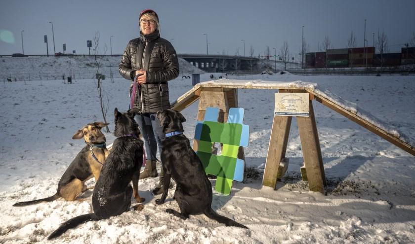 Met drie honden hoeft Margot Swart zich niet te vervelen.