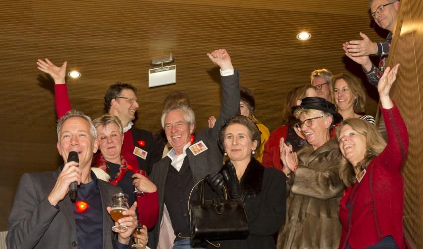 Bestuur en medewerkers van de Sprokkelavond zwaaien vaarwel, maar gaan door met het ontwikkelen van nieuwe ideeën voor na 2019. (Foto: archief Peter Vos)