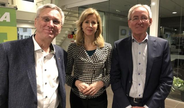 Gastheer Geurt Buurman, Mona Keijzer en Gijs Eikelenboom, voorzitter BIK en van de Commissie Strategische Visie FoodValley.