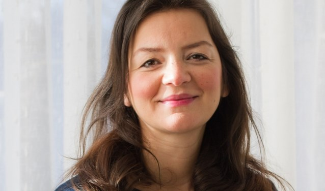 Emine Kara: 'We worden steeds bekender door het hele land'.  (foto: Ilse van Driel / Stichting Voor Sara)