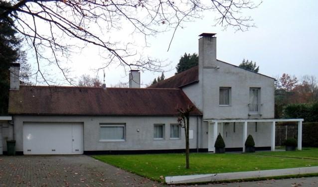 Het voormalig woonhuis van burgemeester Becht, gebouwd in 1964, werd onlangs gemeentelijk monument. Meer info op www.heemkundekringtilburg.nl.