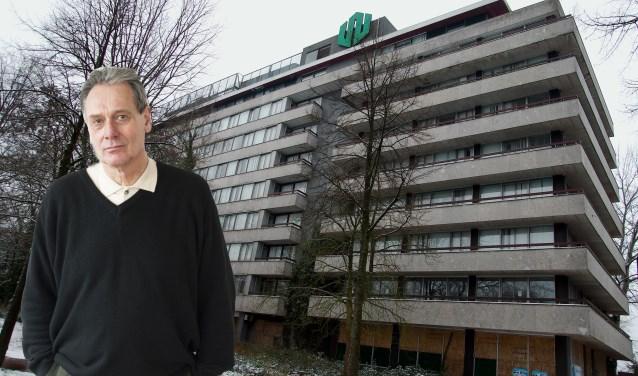 Joost van Haaften op een gemonteerde foto met op de achtergrond gebouw Westpoint. (foto Gert Perdon)