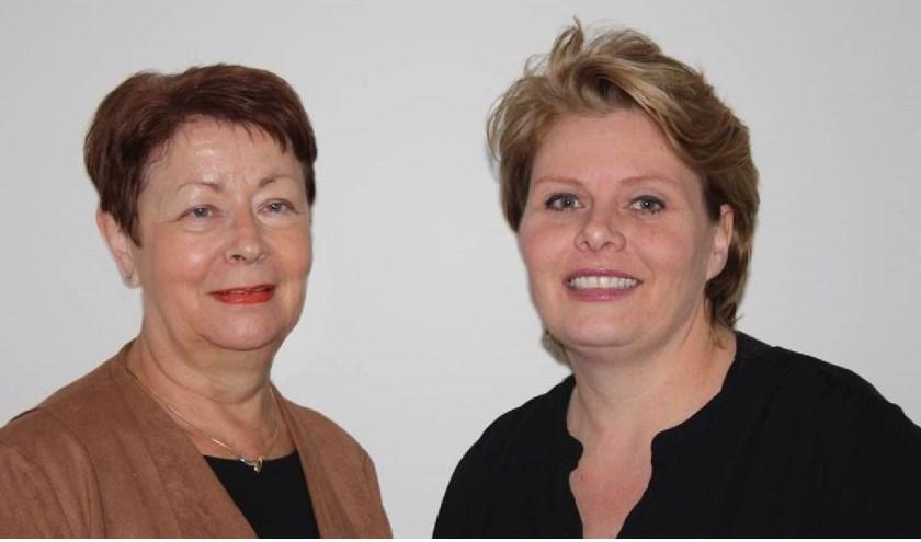 Anneke Postma (links) en Claudia Rossen. (Foto: Theo Berns)