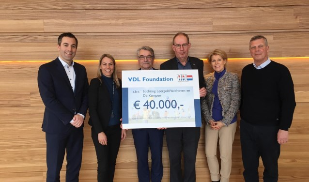De cheque ter waarde van 40.000 euro.