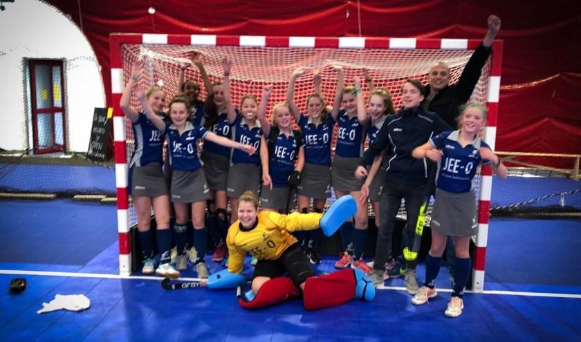 Meisjes C2 zaalhockeykampioen