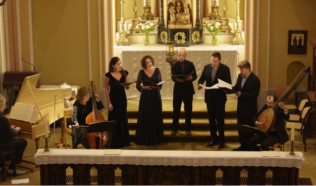 Hoofdrolspeler is het barokensemble Le Nuove Musiche onder leiding van dirigent en artistiek leider Krijn Koetsveld.