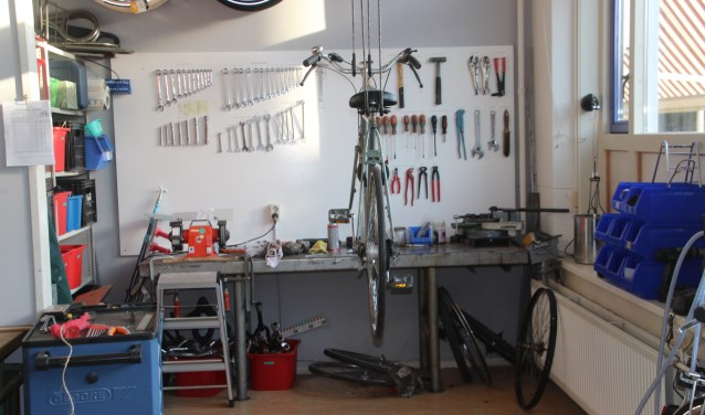 Het Werk Leer Centrum Almelo is een plek waar iedereen dagelijks tussen 9.00 uur tot 16.00 binnen kan lopen, er worden onder andere fietsen opgeknapt
