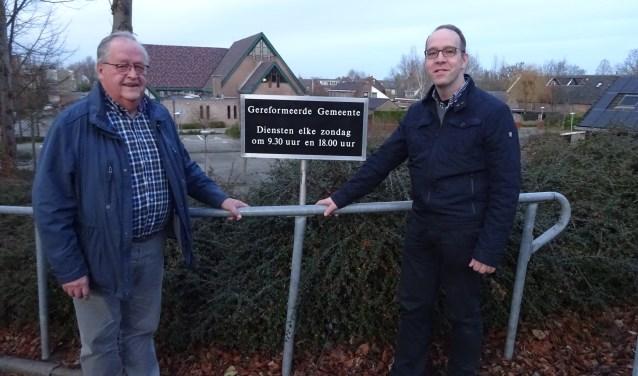Bert-Jan van der Wolf (rechts) is voorzitter van De Bovenstem en Albert Vlot is secretaris en penningmeester. (Foto: Eline Lohman)