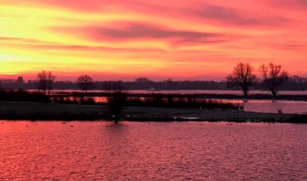'Als expert van de meest romantische zonsondergangen op het water mogen wij deze dag natuurlijk niet ongemerkt voorbij laten gaan', zegt Riveer. Eigen foto