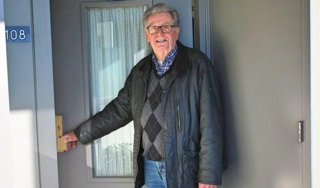 Richard Berndsen gaat graag op pad om ouderen van maaltijden te voorzien en vooral ook een praatje met ze te maken, want het contact wordt erg op prijs gesteld. (Elsie Schoorel)