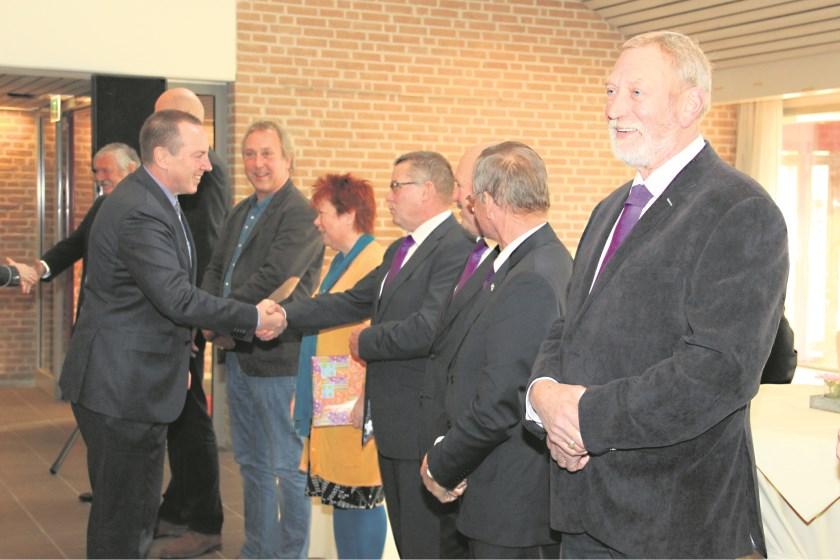 Burgemeester Rik de Lange werd in december 2013 verwelkomd door de Duivense gemeenteraad.