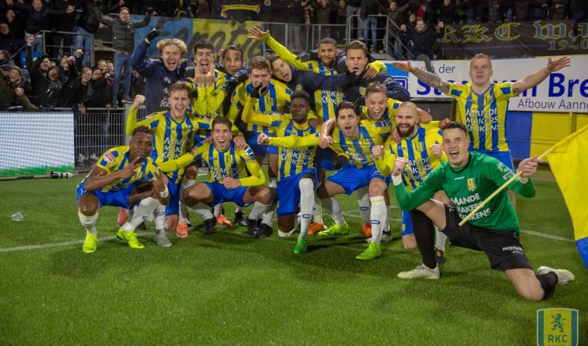 De vreugde was groot na afloop van de zwaarbevochten overwinning op FC Den Bosch. Aanstaande vrijdag hoopt RKC de sterke reeks van vier overwinningen op een rij voort te zetten tegen Telstar.