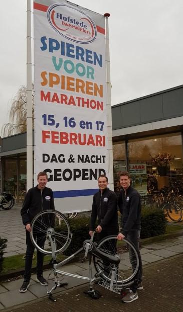 De fietsenmakers van Hofstede Tweewielers in Borculo gaan vanaf vrijdag 15 februari om 14.00 uur vijftig uur lang banden plakken, kettingen smeren en accu's vervangen voor het goede doel.