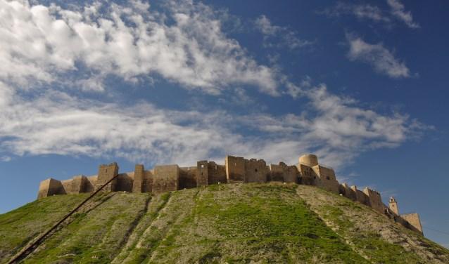 De citadel van Aleppo uit de dertiende eeuw. In 2012 en 2015 raakte de burcht beschadigd door de gevechten in de burgeroorlog.