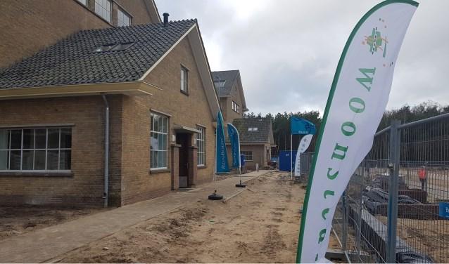 Zaterdag hield Woonstede samen met aannemer Reinbouw B.V. en architect A&R10 de open dag. (Foto: Geert-Jan Rond)