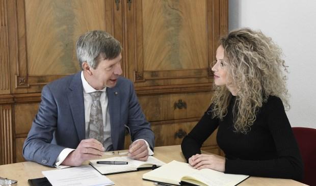 Ombudsman Gertjan van der Brugge en substituut Johanneke Bosschaart-van Heukelom. Foto Aart van Belzen