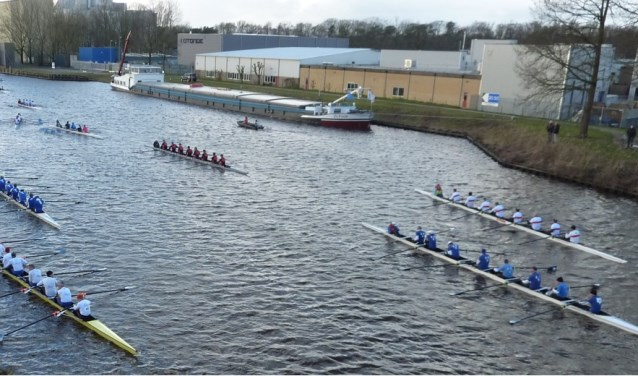 Klaarliggen voor de start in 2018 bij de St Annabrug in Delden.