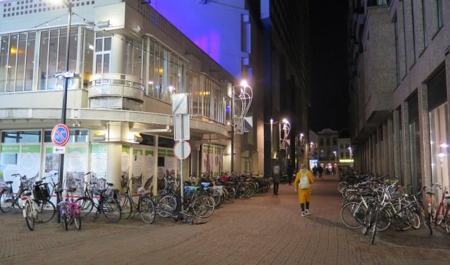 De Vlaamse Toren die in de avond vaak als onveilig wordt ervaren. Zicht op de hoek waar TivoliVredenburg een extra ingang wil maken. Foto: Paul Hustinx