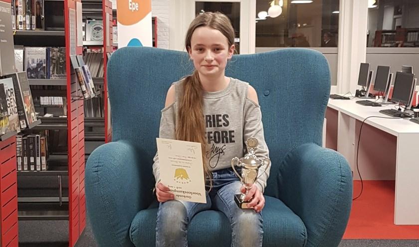 Voorleeskampioen Sophie van der Stouwe