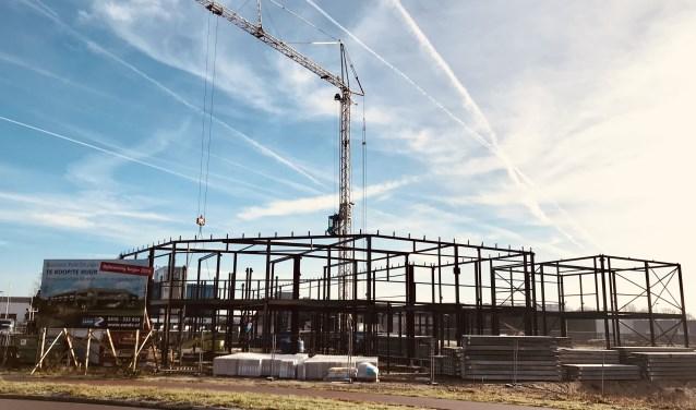 Nu de grondwerkzaamheden zijn afgerond begint het Businesspark Drunen steeds meer vorm te krijgen. De bouw is naar verwachting eind maart gereed.