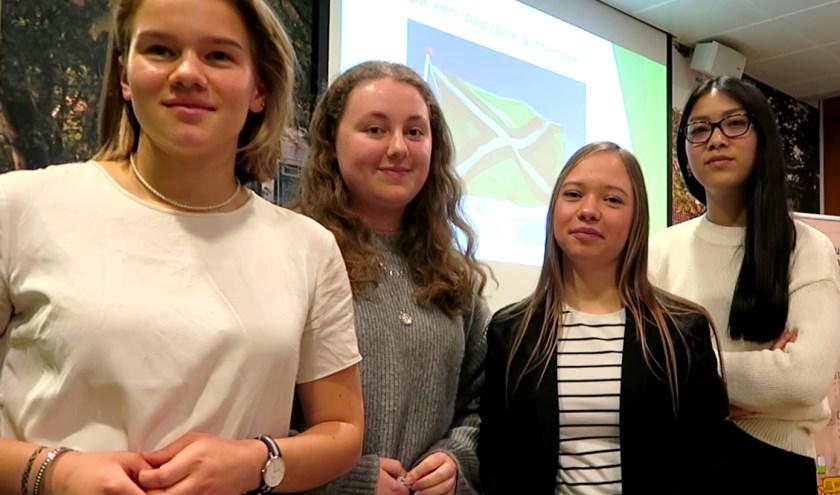 De oproep aan het bedrijfsleven om aan de slag te gaan met duurzaam ondernemen  werd gedaan door Maud, Veerle, Noëlle en Li-Hao.