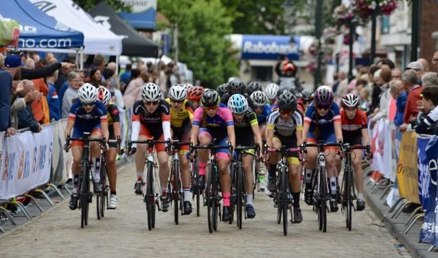In West-Brabant is de omloop rond Steenbergen de enige klassieker die voor nieuwelingen en junioren wordt gehouden.