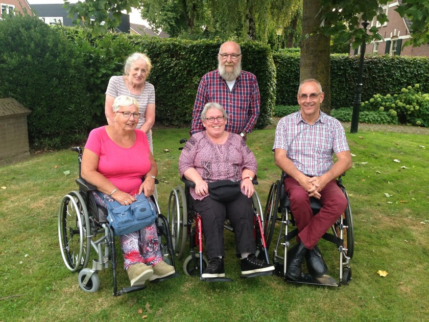 Het bestuur van de gehandicaptenraad. V.l.n.r.: Anneke Pouw, Ria Janssen, Patricia van Bladel, Wil van Bladel en Henk Legebeke.