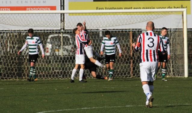 Danny Kuijpers heeft Uno Animo naar een 3-0 voorsprong geschoten. De thuisclub had een bliksemstart en trok de 3-2 overwinning uiteindelijk over de streep. Foto: Wout Pluijmert