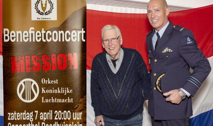 Oud-voorzitter Nico Kruiniger (links) en de huidige voorzitter William Thuis. (foto: Bas Bakema)