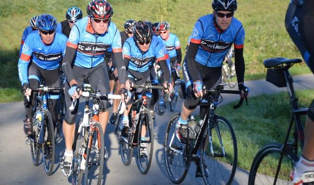 TC De Liemers bestaat dit jaar veertig jaar. De activiteiten zijn nog altijd springlevend. (foto: Rinus Kobus)