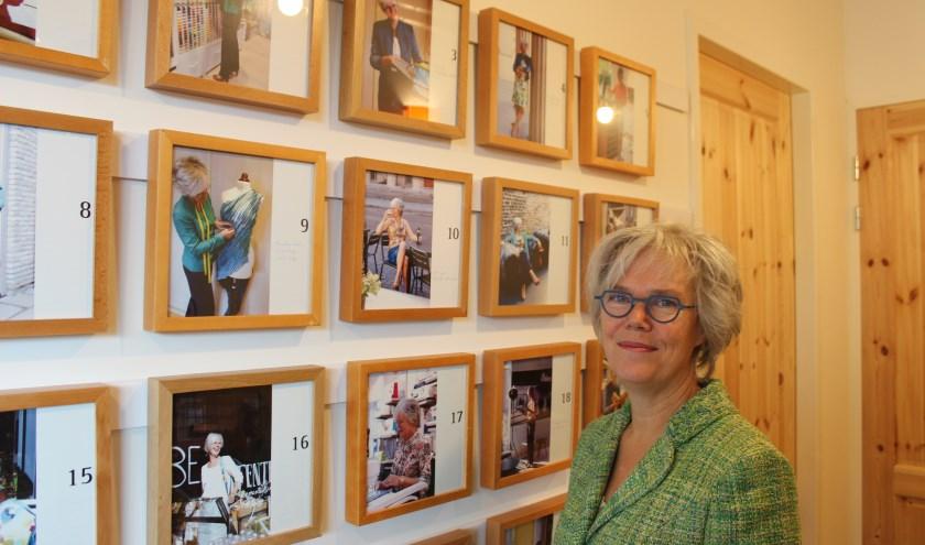 """Kleermaker Anne Marie van der Veen. """"Ik geef erg om kleding die goed gemaakt is."""" (foto: Sigrid Aalfs)"""