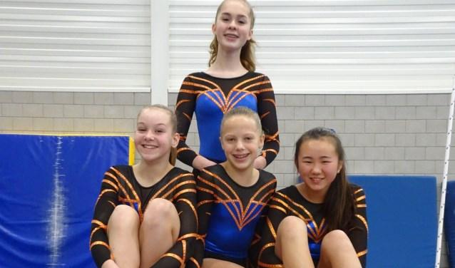 Voorste rij: Kiki van Dodeweerd, Floor Versteeg, Lu Kai van der Goot. Achterste rij: Manou Maliepaard. (Foto: Claudia van Mechelen)