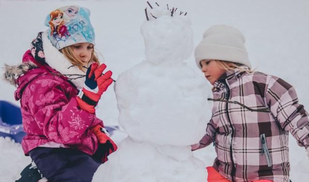 Kinderen kunnen op woensdag 6 maart naar hartenlust buitenspelen,  maar vermoedelijk níet in de sneeuw... Eigen foto