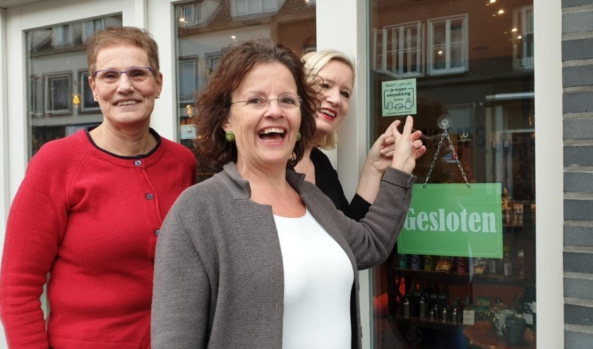 Maayke Boon van Ostade, Ceciel van Iersel en Jolanda van de Kerkhof.