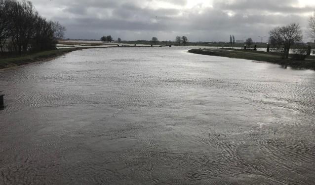 Door de neerslag van de afgelopen weken in de stroomgebieden van de IJssel en de Vecht steeg het water.