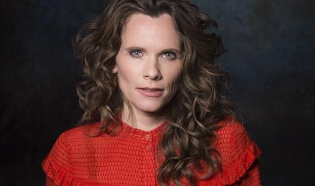 In haar nieuwe programma brengt Niki Jacobs een ode aan de Joodse singer-songwriters en popiconen van deze eeuw.