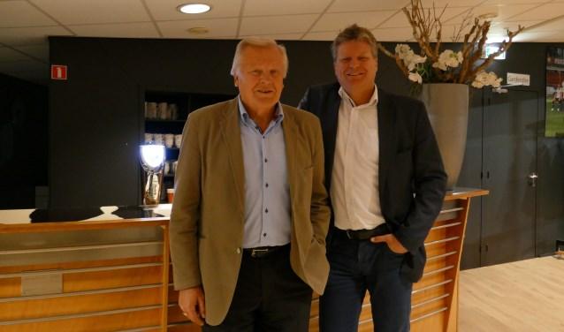 Vader John Middendorp (76), voorzitter van ASWH, en zoon Michel (51), voorzitter bij T.V. HIATEN.