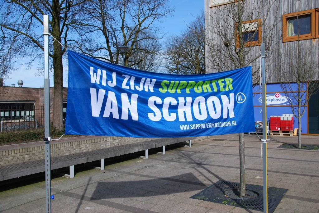 De banner van Nederland Schoon  Foto: Hans Preusterink © Persgroep
