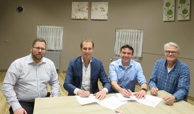 Vlnr.: Koert-Jan de Weert, Mark Drost, Elmar de Ridder en Martin van der Schagt. Foto: Woningbouwvereniging Vecht en Omstreken