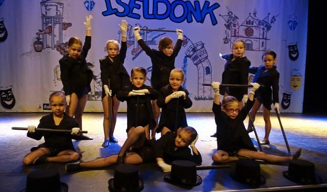 Karakterdans Dansgarde Iseldonk tijdens dansfestival 2018.