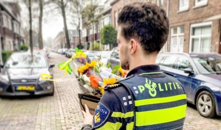 Politie Charlois vond een bloemetje voor deze jonge held wel op zijn plaats!