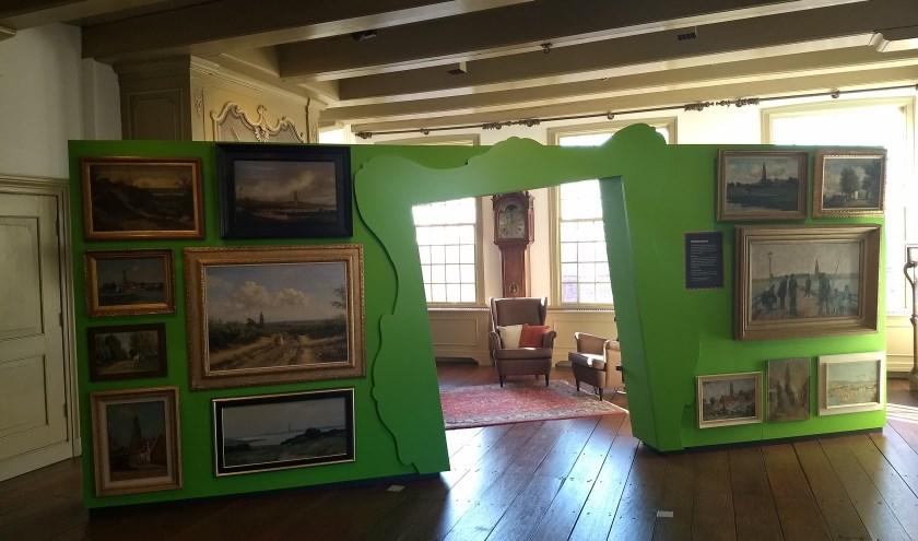 Een doorkijkje naar de huiskamer van het Stadsmuseum, waar de deelnemers zich kunnen laten inspireren. (Foto: Stadsmuseum Rhenen)